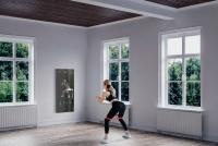 抓住疫情下家庭健身的风口,「myShape」于近日推出旗下首款智能健身镜